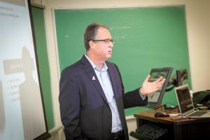Alumnus establishes unique venture fund to help students launch businesses