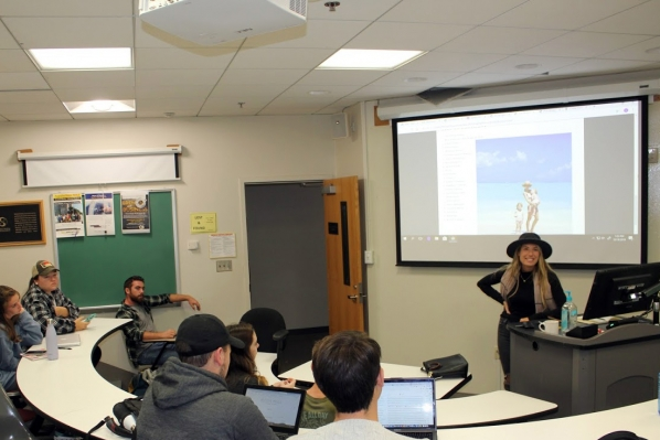 The Department of Marketing & Supply Chain Management recently welcomed travel blogger, social media influencer and IT recruiter for Amazon Web Services Becca Ingle to present on her experiences during a digital marketing class (MKT 3225-101).