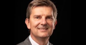 Insurance professor offers expert advice on car insurance in Moneygeek.com article