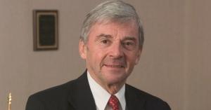 Richard E. Sorensen, in his office in Virginia Tech's Pamplin Hall, in 2005.